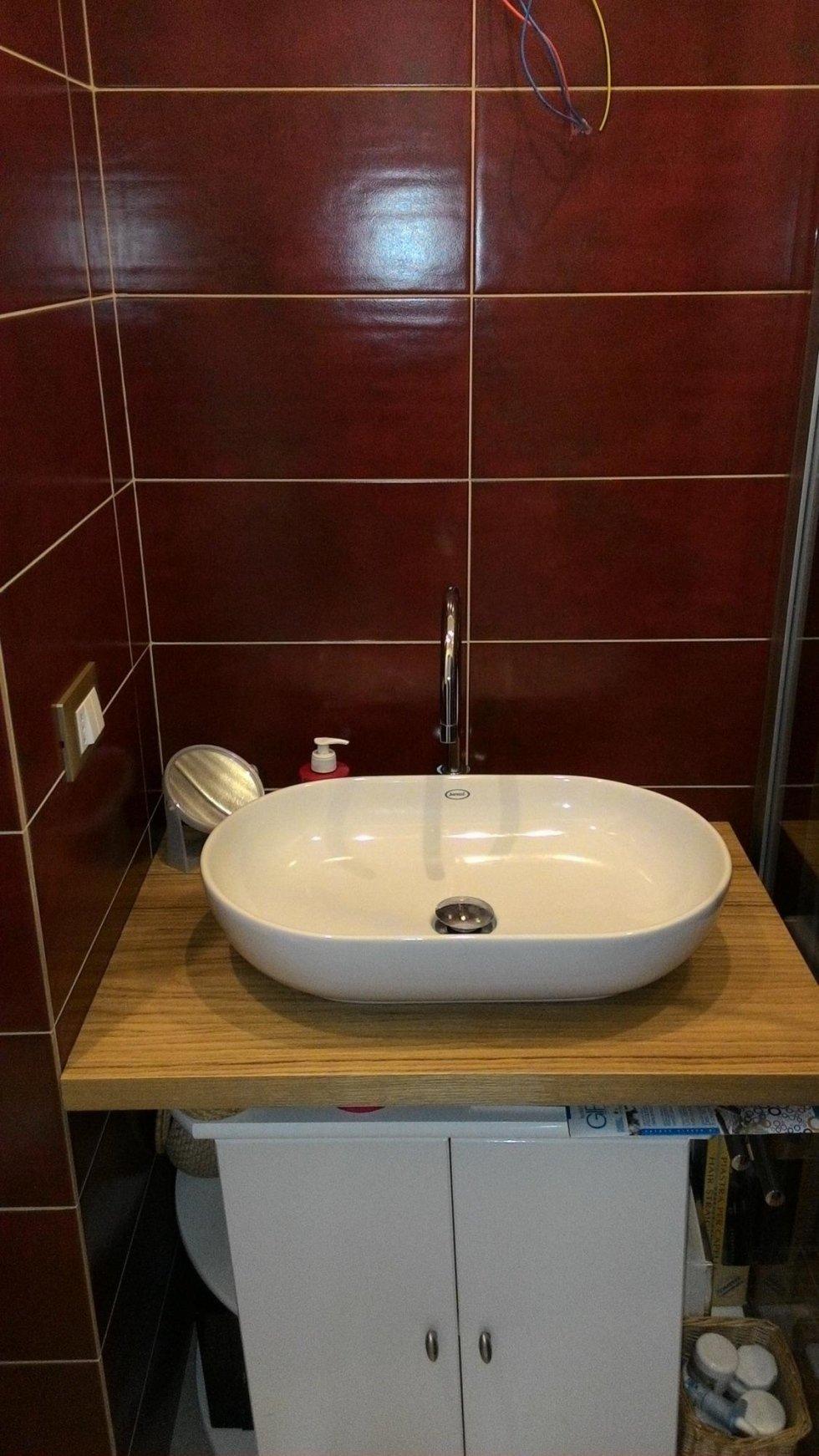pavimentazione e rivestimento bagno