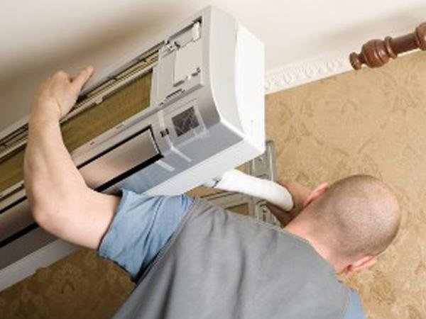 Montaggio climatizzatori negozio