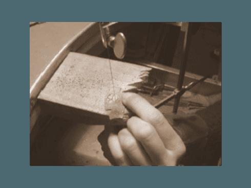creazione artigianale di gioielleria