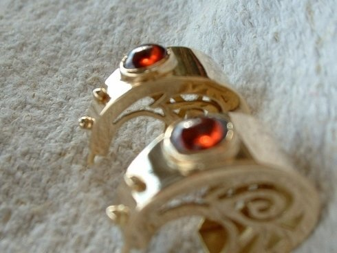 orecchini in oro e pietre preziose