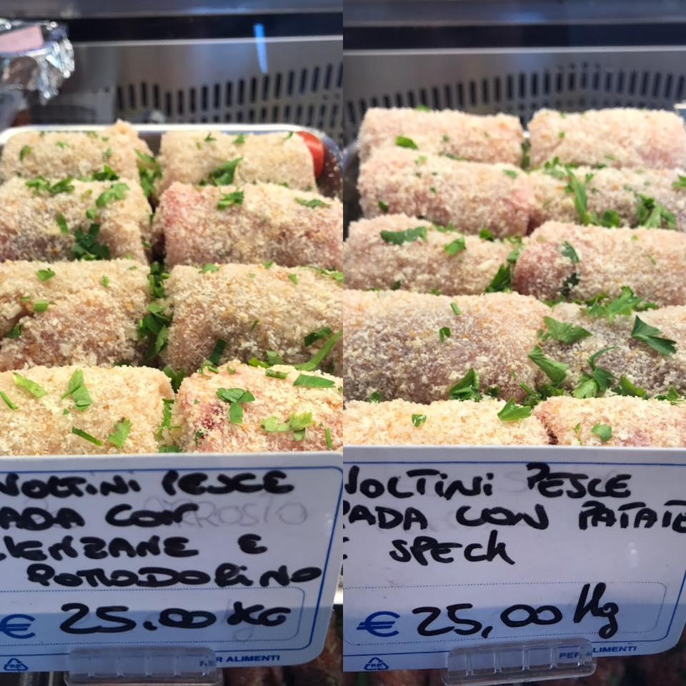 2 immagini, sulla sinistra degli involtini di pesce spada con melanzane e pomodorini e sulla destra involtini di pesce spada con patate e speck