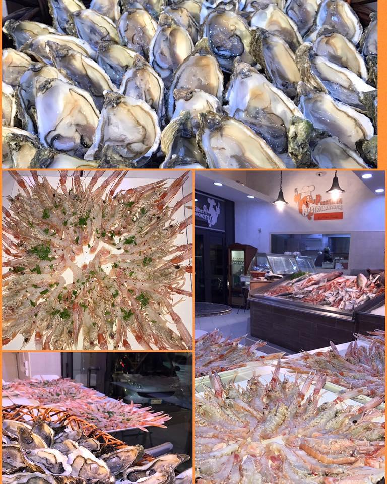 collage di 4 foto che raffigurano delle ostriche,dei gamberi e del pesce esposto in pescheria