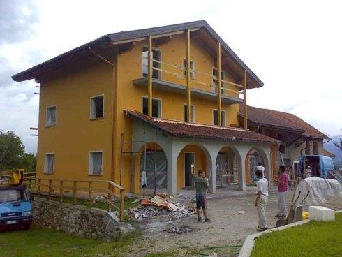 applicazione vernice pareti case