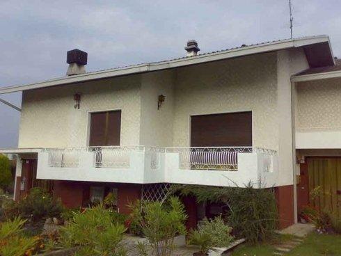 pittura muro esterno abitazione