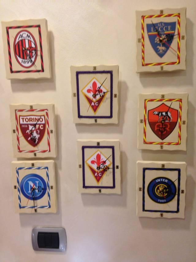 Orologi con scudetti di squadre di calcio