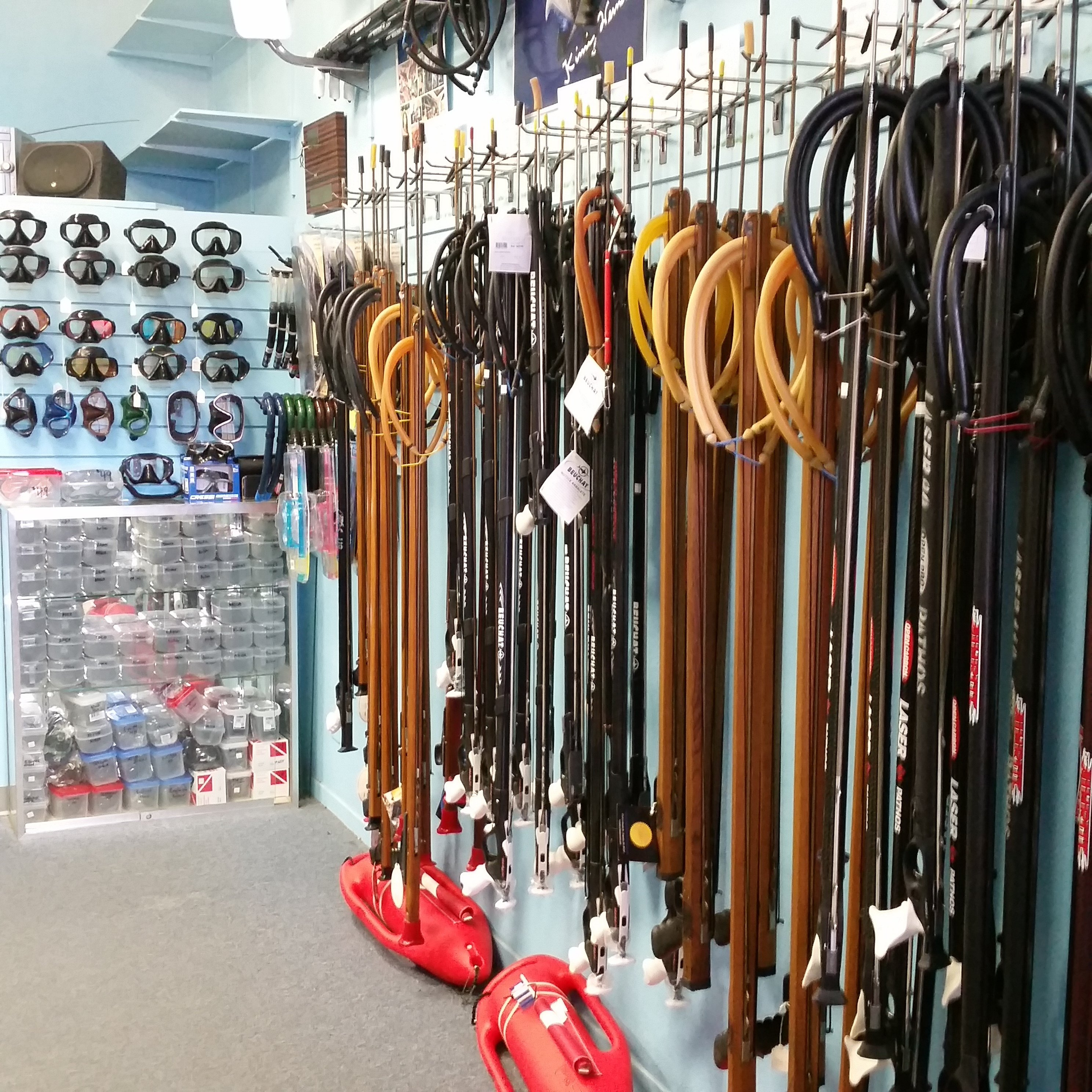 Fishing tackle honolulu maui sporting goods spearfishing for Fishing stores oahu