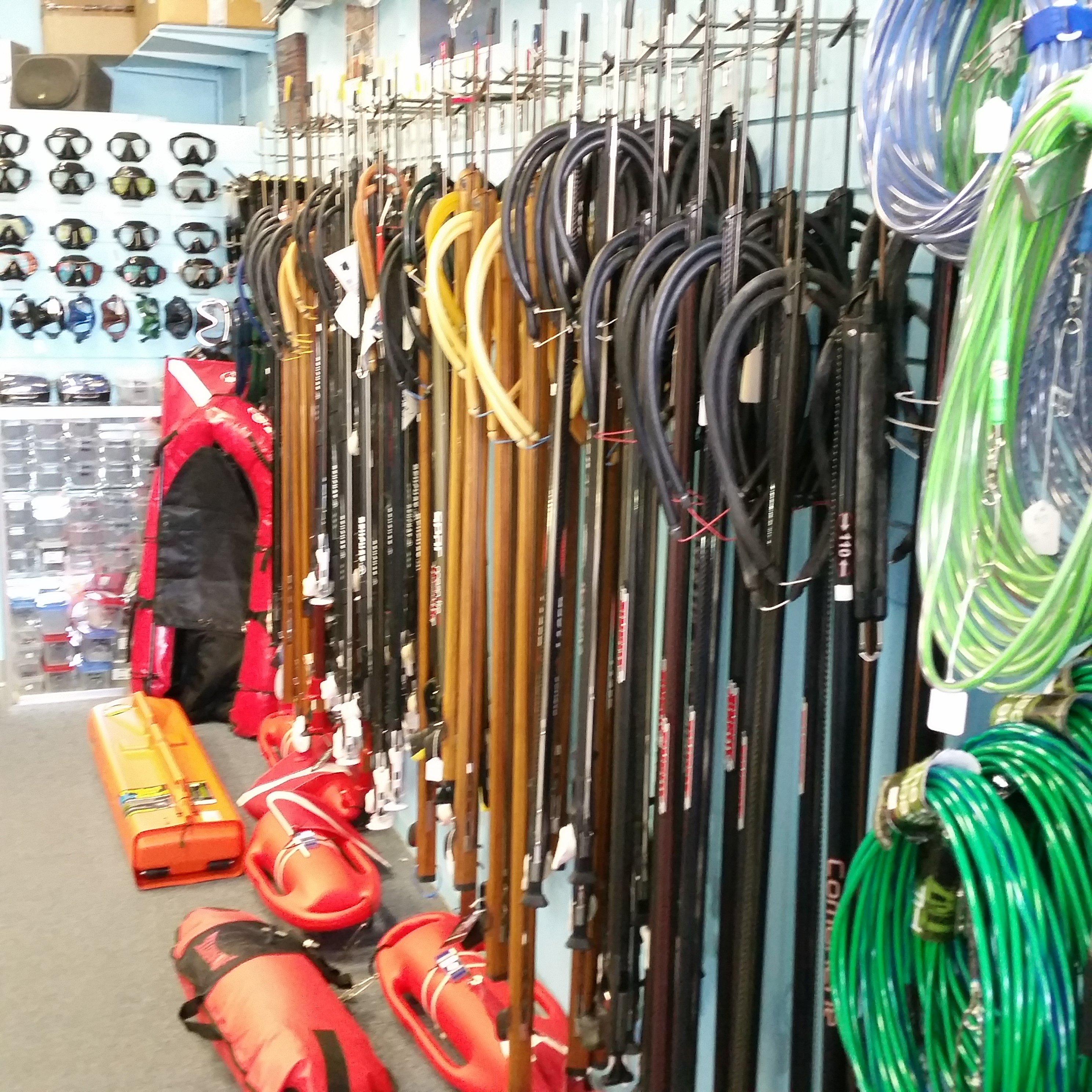Fishing tackle honolulu maui sporting goods spearfishing for Maui fishing supply