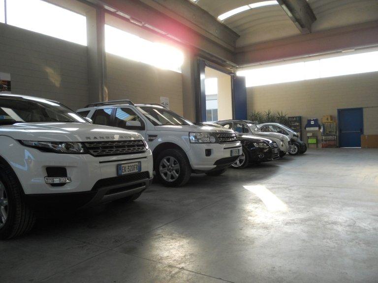 officina di automobili