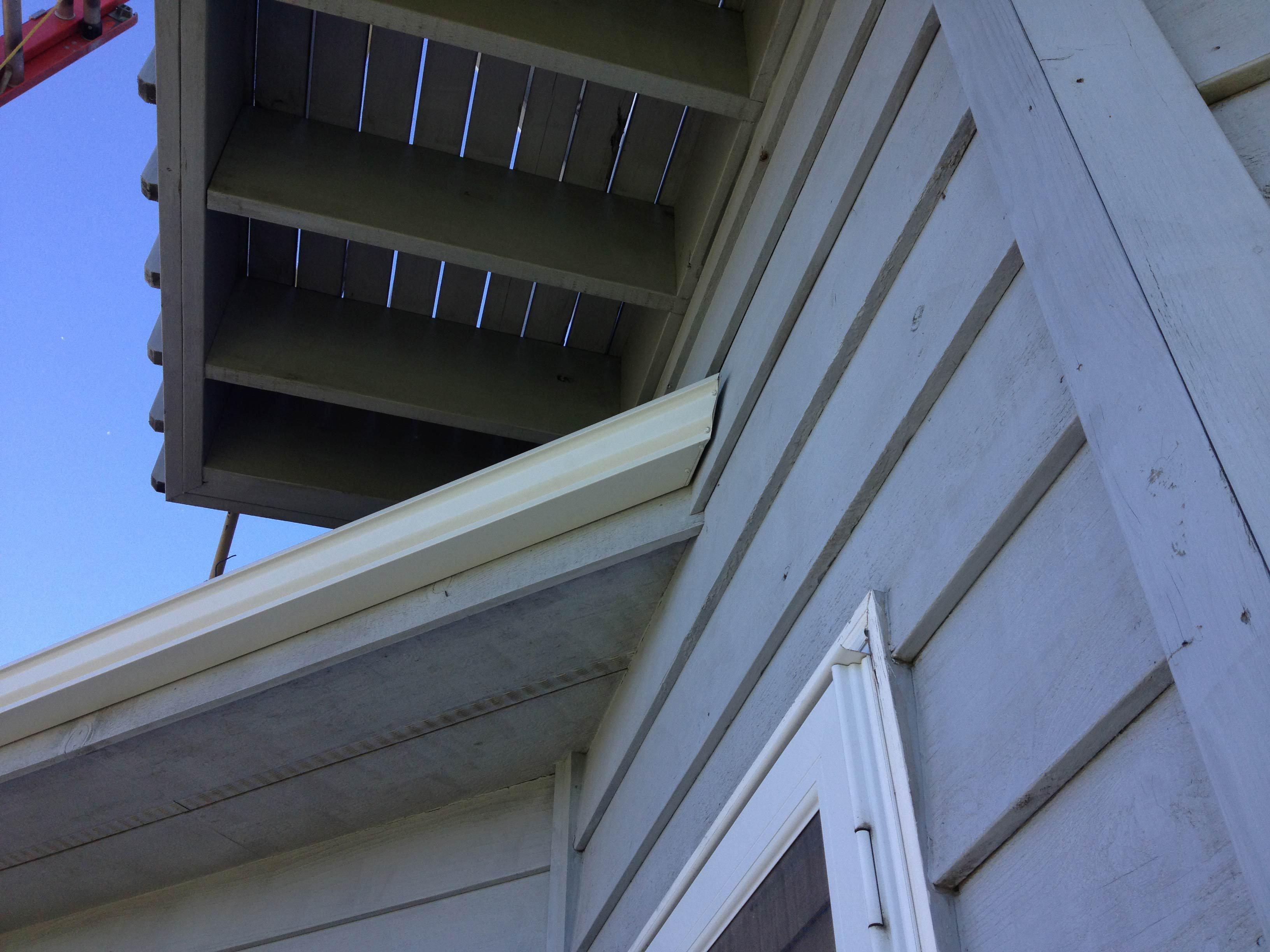 Seamless gutter install