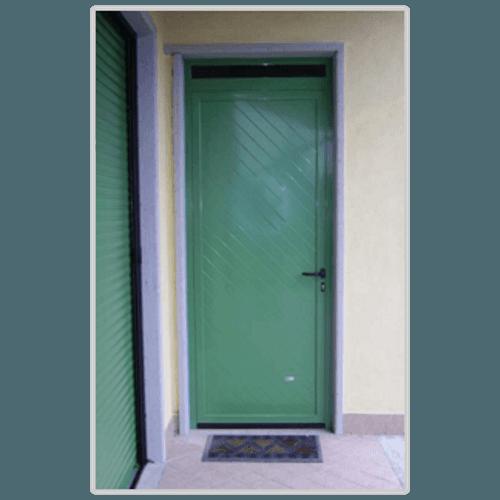 una porta verde