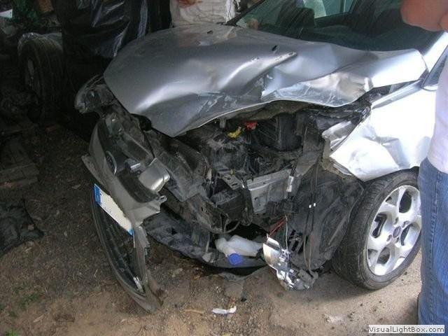 riparazione auto incidentate, carrozzeria, autocarrozzeria, Soccorso Stradale, Restauro auto d