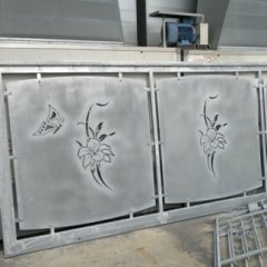 Esempio cancello carraio con disegno tagliato laser
