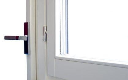 fornitura di serramenti