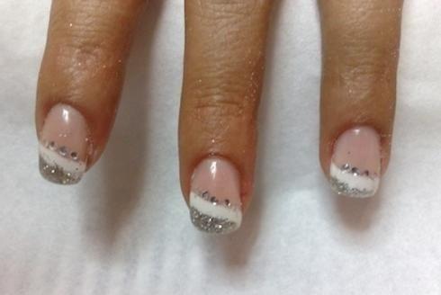 Ricostruzione unghie gel con decorazioni