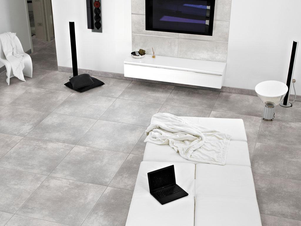 Salotto arredato di bianco con camino design