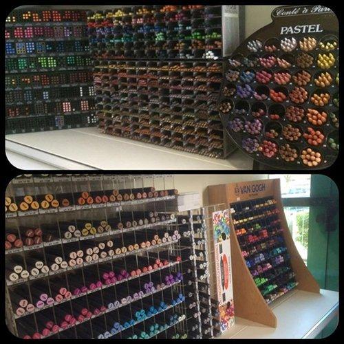 scaffale colori per pittura