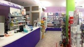 farmacisti, medicinali da banco, negozio di medicine