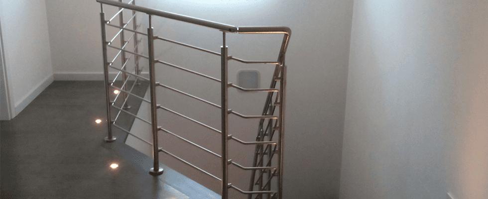 scale in legno e acciaio