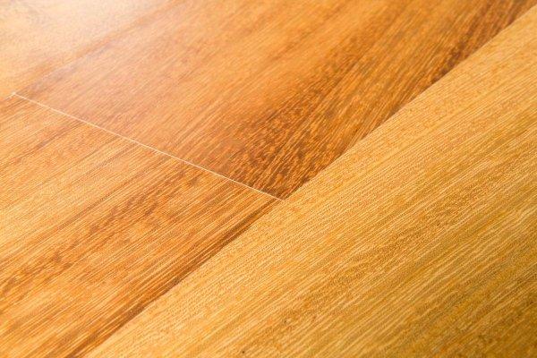 essenza legno iroko