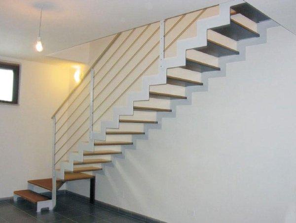 scala in legno e acciaio inox