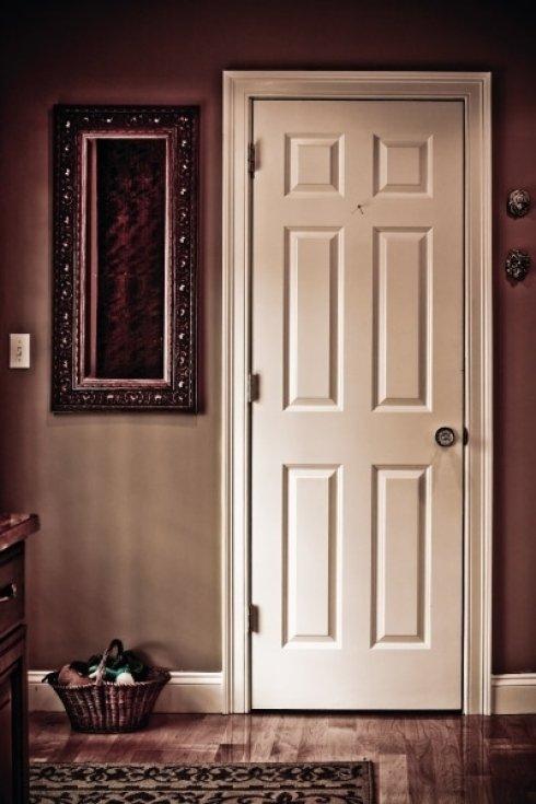 Vasto assortimento di porte in legno