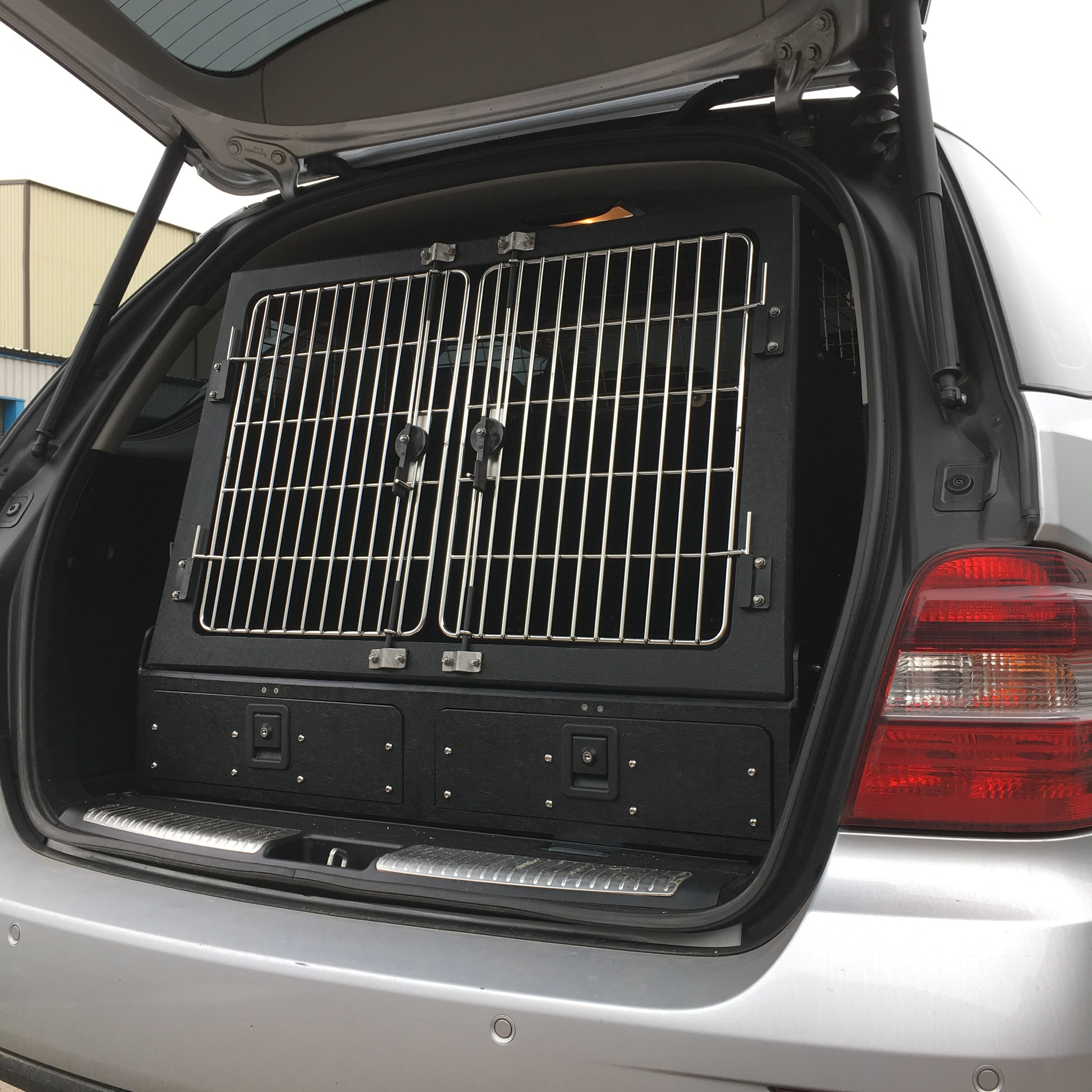 Mercedes ML Dog Box