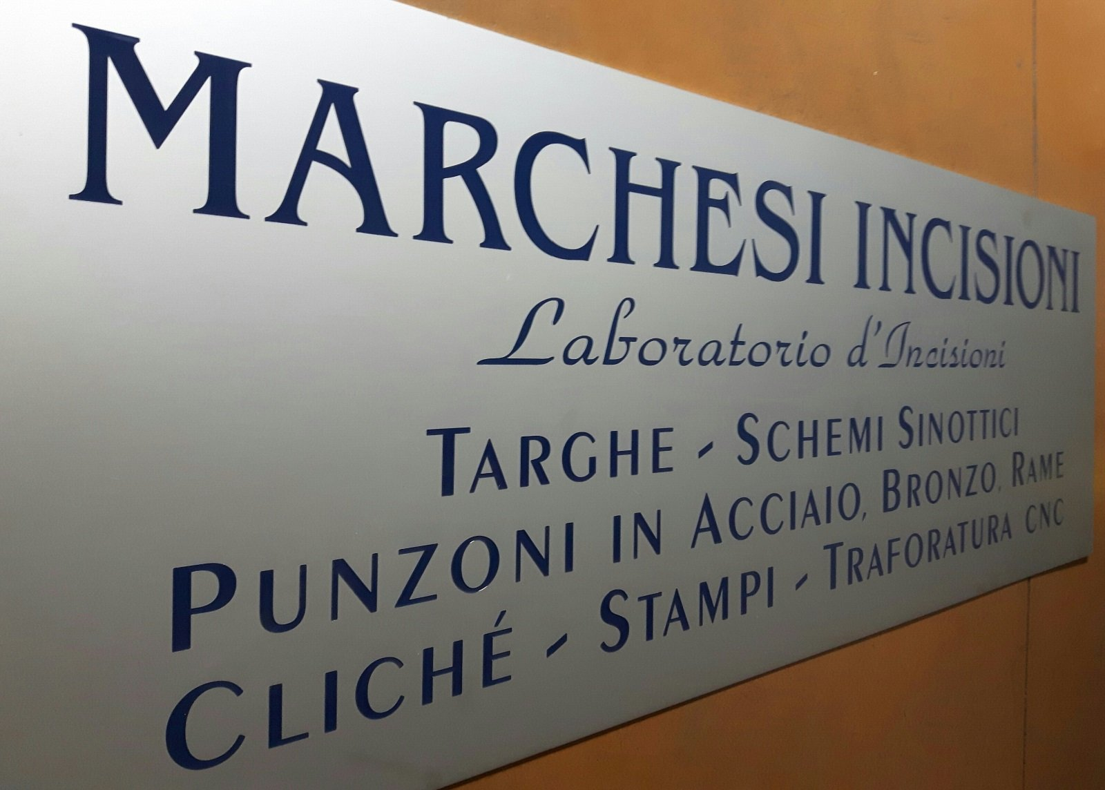 targa di un laboratorio di incisioni
