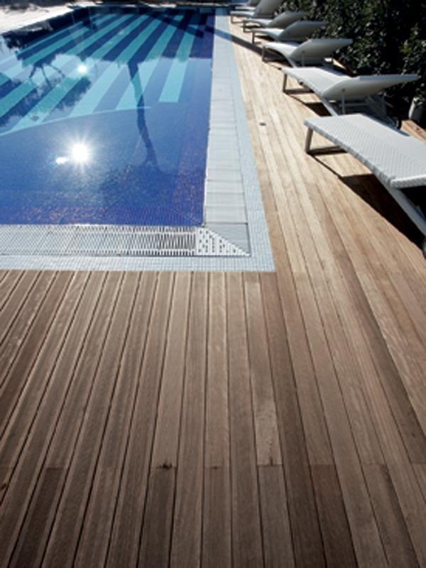 legno parquet piscina