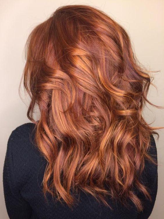 1) Non rinunciare ai capelli rossi d estate e per evitare che il colore si  scarichi fino a diventare arancio  1c9fa8e5d0f3