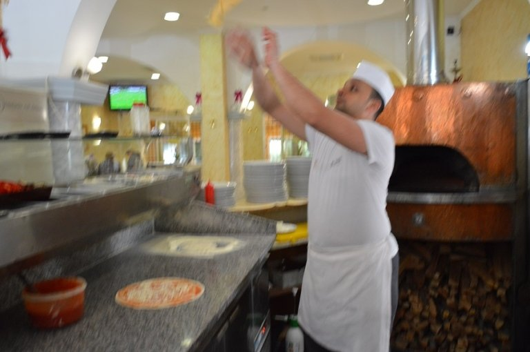 lavorazione pizza