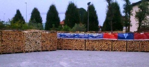 Vendita di legna da ardere con consegna a domiciglio