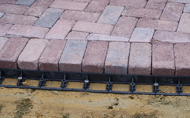 Block Amp Paver Accessories How To Install Edge Restraint