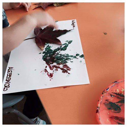 riproduzione con acquerelli di foglia
