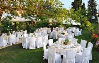 Matrimoni, cerimonie in giardino