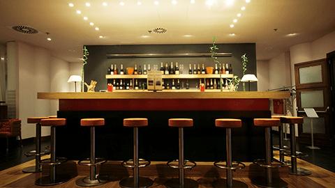 Arredamento per ristorazione brescia lineaquattro for Arredamento ristorazione