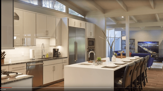 High-quality custom construction - kitchen