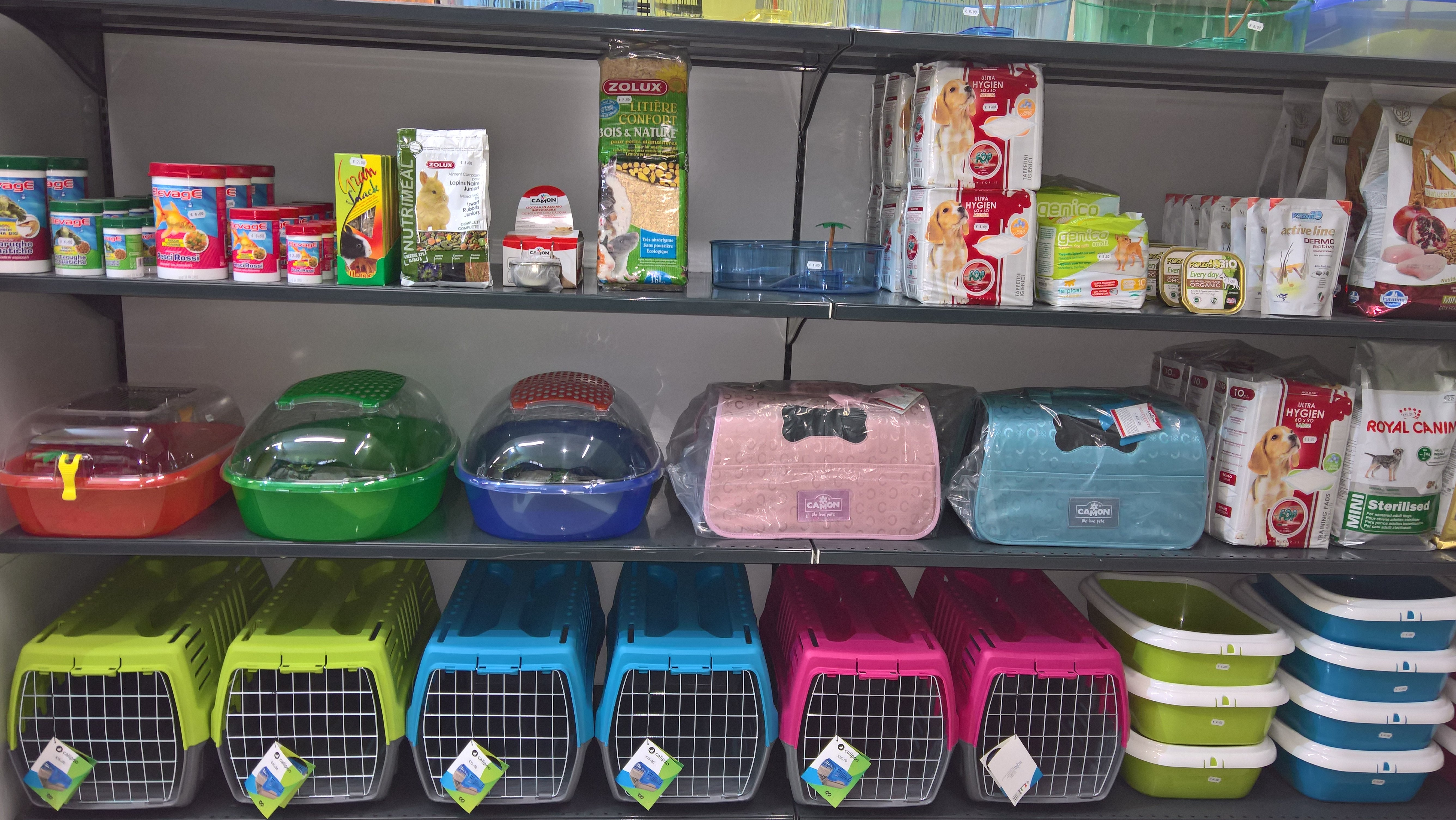 Cibo ed accessori per gli animali a Barcellona Pozzo Di Gotto