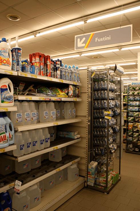 Ampio assortimento di detersivi e detergenti per la casa