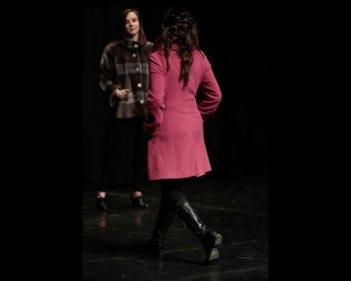 Dettaglio cappotto rosa shocking