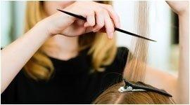 taglio capelli scalati