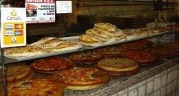 calzoni al forno, pucce ripiene, pizza con olive