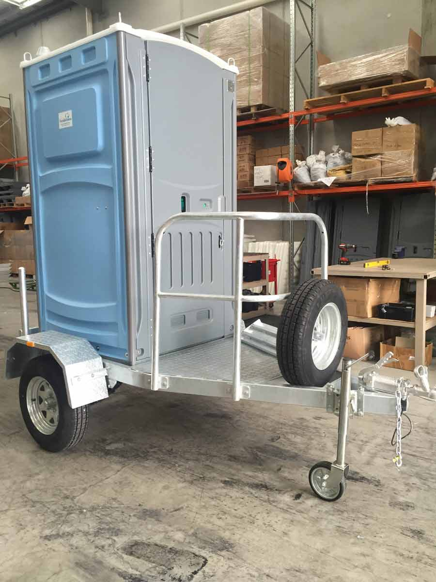 septicleen single trailer with mobile unit side view
