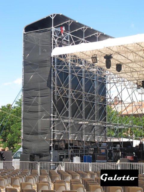 Torri lato palco