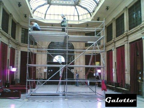Montaggio Portale Galleria Meravigli, Milano