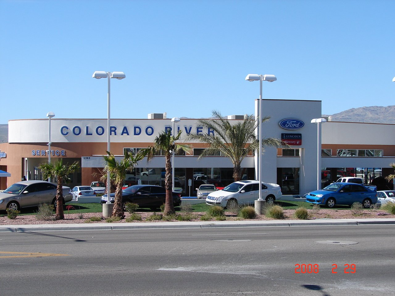 Experts installed custom glass at Ford outlet  in Lake Havasu City