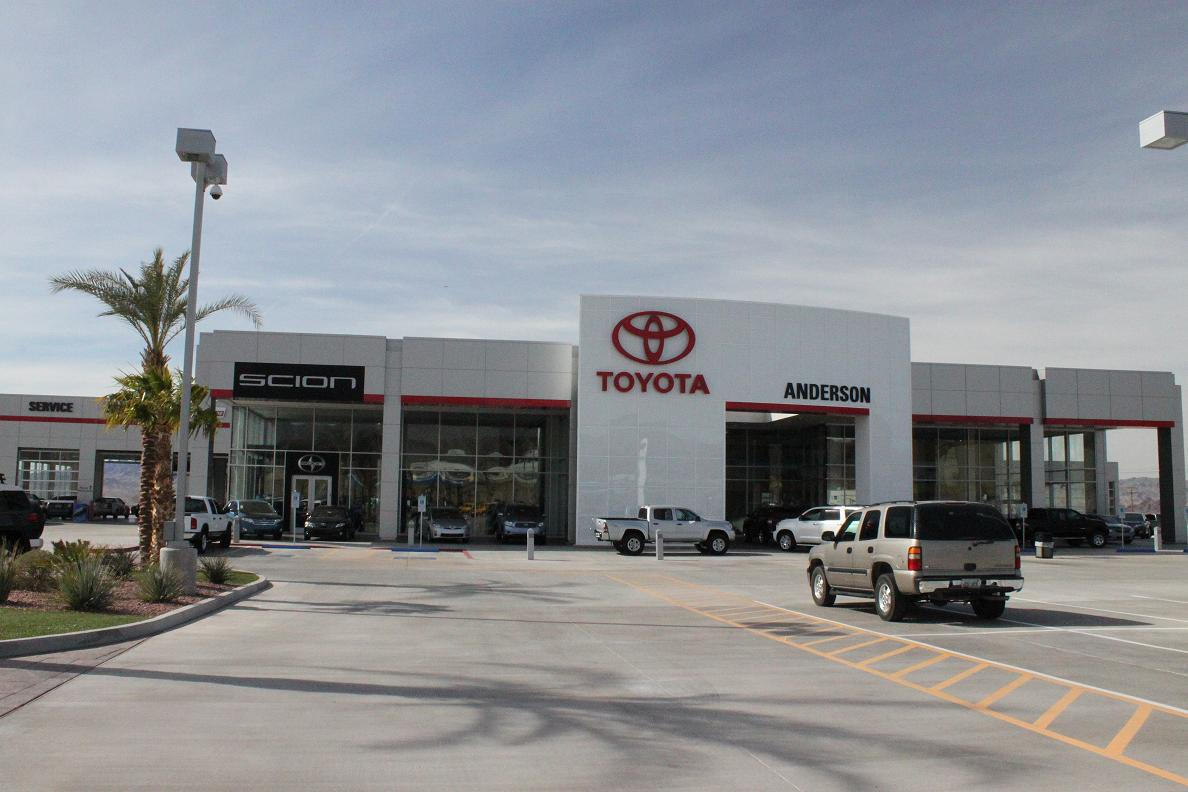 Experts installed custom glass at Toyota outlet in Lake Havasu City