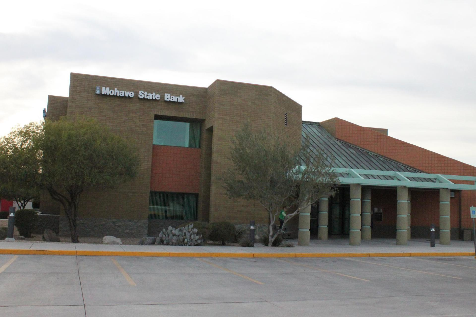 Experts installed custom glass at Mohave State Bank in Lake Havasu City