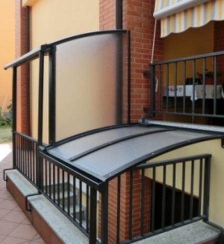 tettoria per l'ingresso di un seminterrato