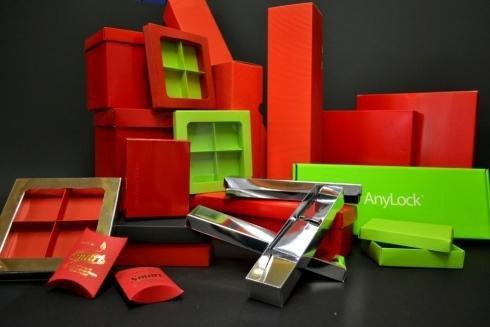 Il cliente sceglie forma, dimensioni,colore,progettazione
