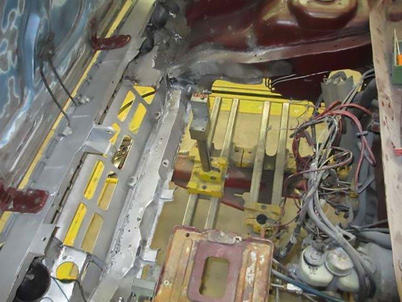 restauro vano motore auto d'epoca